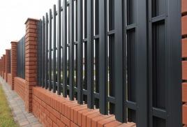 Забор – декоративный элемент или страж территории?